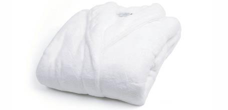 Attenzione: accappatoio bianco obbligatorio per accedere al reparto termale